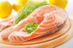 Omega-3-Fettsäuren in fettreichen Kaltwasserfischen wie Lachs
